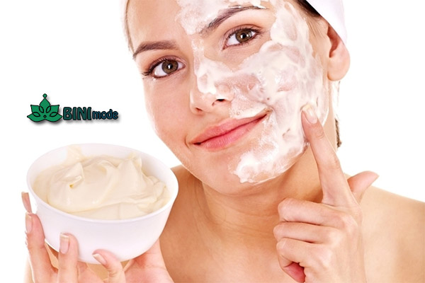 استفاده از اسکراب خانگی برای لایه برداری پوست